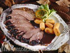 Tűzdelt vaddisznósült áfonyás mártással recept Steak, Paleo, Yummy Food, Favorite Recipes, Meals, Dishes, Ethnic Recipes, Bors, Delicious Food