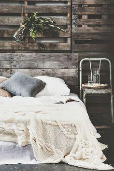 Coziest Winter Bedroom Decor Ideas To Get Inspired Dream Bedroom, Home Bedroom, Bedroom Decor, Bedroom Ideas, Bedroom Wall, 1980s Bedroom, Calm Bedroom, Earthy Bedroom, Bedroom Quotes