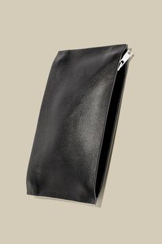 A modern accessory, this card holder is made from smooth leather with cotton lining. Designed with twin compartments, it has zip fastenings at both ends, brushed silver-tone hardware and it is finished with clean-cut edges. Cow Leather, Leather Craft, New Year Wishes, You Bag, Smooth Leather, Card Holder, Black Bags, Cos, Wallets