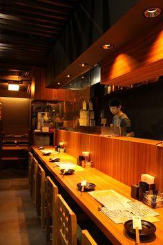 Okayama|岡山(おかやま)|Restaurant|大樹-Ryomi- / 岡山のグルメ【えざかや】|こじんまりとした店内はカウンター6席、掘りごたつが10席◆はやくも常連さんの姿が★