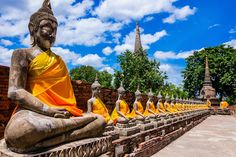 Top 10 places to go in Thailand. Has thinks to for information within each destination
