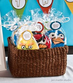 pretty much the perfect angry birds party Angry Birds, Bird Birthday Parties, 7th Birthday, Birthday Ideas, Cookie Party Favors, Party Gifts, Star Wars Birthday, Party Time, Party Party