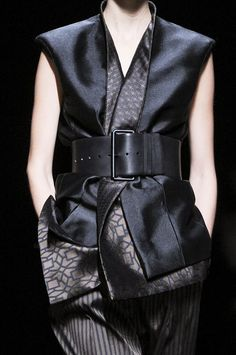 Elegant tailoring with layered prints & wide belt; fashion details // Haider Ackermann Spring 2013