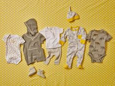 Consult our list to see which baby clothing items and how many of each you& need for your newborn& first weeks. Birth Announcement Template, Birth Announcement Girl, Newborn Needs, Baby Needs, Newborn Room, Baby Outfits Newborn, Baby Boy Outfits, Newborn Clothing, Sexy Outfits