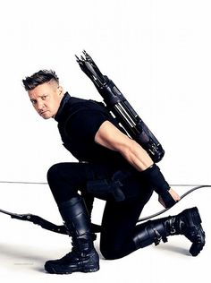 "First promo for Infinity War! *screams*""The cast of Avengers: Infinity War has just graced the covers of Vanity Fair. Jeremy Renner as Hawkeye :P "" Hawkeye Comic, Hawkeye Avengers, Marvel Avengers Comics, Marvel Heroes, Hawkeye Bow, Clint Barton, Jeremy Renner, Mark Ruffalo, Marvel Universe"