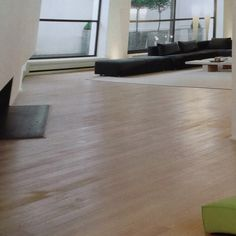 Light wood floor Modern Flooring, Timber Flooring, Hardwood Floors, Loft, Nice, Wood Flooring, Wood Floor Tiles, Wood Floor, Lofts