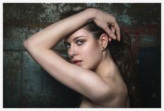 SIDECAR: GEOFFREY BADNER: PORTRAIT  PHOTOGRAPHY WOMENS FASHION website_portfolio_v1a55.jpg