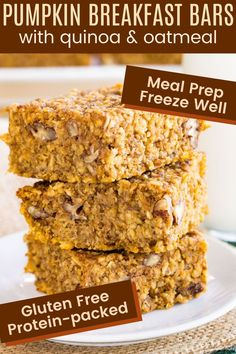 Pumpkin Quinoa Breakfast Bars - an easy and healthy gluten free breakfast with sweet flavors and warm spices! Make them in advance to eat all week or save some in the freezer for when that pumpkin craving hits. They take just minutes to mix together and your house will smell amazing while they bake! Quinoa Breakfast Bars, Healthy Make Ahead Breakfast, Pumpkin Breakfast, Gluten Free Recipes For Breakfast, Gluten Free Breakfasts, Snack Recipes, Healthy Recipes, Quinoa Oatmeal, Pumpkin Quinoa
