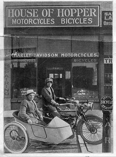 First women to ride across the country on a motorcycle (Salt Lake City, 1915). Fade here: http://www.whatwasthere.com/b/57183  Avis and Effie Hotchkiss, mother and daughter from Brooklyn, New York completed a 9,000-mile round trip ride from New York to San Francisco and back on a Harley-Davidson motorcycle-sidecar combination.