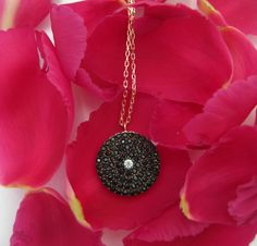 Black disc necklace rose gold with black crystals