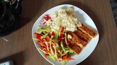 Smart food: Fischstäbchen mit Butterreis und gebratetnen Papri...