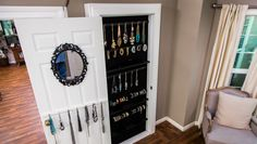 Every woman's dream! DIY @kennethwingard's Jewelry Organizer for optimal organization & storage! Catch #Homeandfamily weekdays at 10/9c on Hallmark Channel!