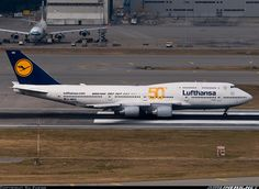 Boeing 747-430 aircraft picture