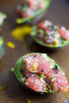 Quick & Easy Ahi Poke Avocado Boats ---> gluten free paleo