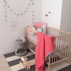 Habitación bebe http://www.mamidecora.com/textil-ni%C3%B1os-color-scout.html