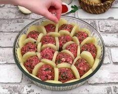 Boulettes de viande et pommes de terre gratinées au four… Une recette très originale ! »
