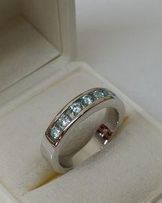 Vintage Ringe - Ring 925 Silber mit 7 hellblauen Kristallen SR700 - ein Designerstück von Atelier-Regina bei DaWanda