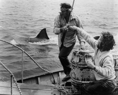 Robert Shaw and Richard Dreyfuss prepare to do battle with a mammoth man eating Great White Shark in a scene from the film 'Jaws', Horror Films, Horror Art, Jaws Movie, Jaws 4, Movie Tv, Robert Shaw, Perfect Movie, Steven Spielberg, Great White Shark