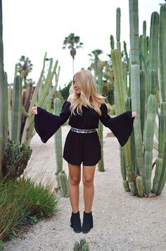 #ladymandala #boho #bohemian #bellsleeves #asos #playsuit #coinbelt #ootd #outfit #look #bohojewelry #bohochic #gypsy #jewelry #gypsyjewelry #cactus #garden #cactusgarden #shooting #blogger #barcelona