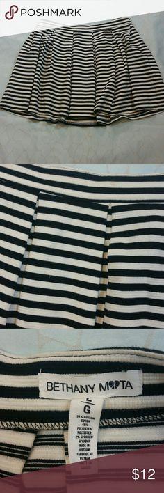 "Beth any Moda striped skirt Black/white stripes, box pleats all over, back zipper Approx- waist 16.5"", Length 16"" Bethany Moda Skirts Mini"
