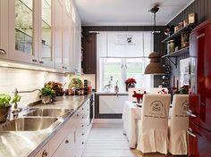Cliquez sur les liens pour lire les articles en entier   Click on the links to read full posts   *     - Jolies demeures -     49 m2 décoré...