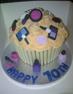Wish I choose this cake for my birthday party!