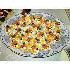 Russische Eier mit Räucherlachs und Kaviar @ de.allrecipes.com