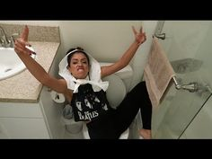 GIRLS DON'T POO!! BATHROOM WITH LIZZZA | Lizzza