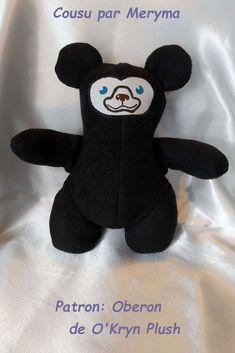 Oberon en polaire noire de Meryma - patron Oberon de O'Kryn Plush Minnie Mouse, Plush, Model Face, Cuddling, Polar Fleece, Boss