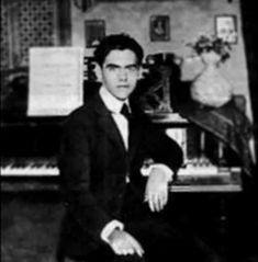 En Granada García Lorca se empezó a interesar por la música.
