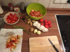 Vorbereitung Hähnchen auf Gemüsebett