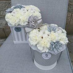 Коробочки с гвоздиками, суккулентами и хлопком. Flower Boxes, Amazing Flowers, Container, Bouquet, Vase, Create, Shop, Gift Boxes, Favors
