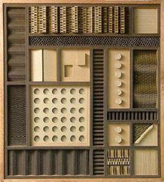 Les matériaux de récupération et plus particulièrement le carton ondulé sont la base des créations de Mark Langan, un artiste plasticien américain.