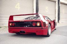 Ferrari F40 back