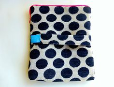tablet case with zipper, lining and protective cushioning - ipad case in black and white, sizing on demand - egst by ElliandPaul on Etsy Ipad Case, Keep It Cleaner, Coin Purse, My Etsy Shop, Pouch, Dots, Trending Outfits, Zipper, Unique Jewelry