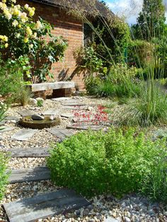 Low Maintenance Gravel Garden Design - Stanford Dingley, Berkshire