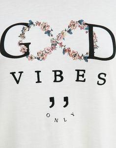 Camiseta BSK flores y 'Good Vibes' - Camisetas - Bershka España