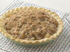 Extra Easy Gluten Free Streusel Apple Pie. Bisquick® Gluten Free mix makes it simple creating an easy, gluten-free press-in-the-pan one-crust pie dough. Unlike traditional wheat dough, this is softer and tender with no rolling pin required!