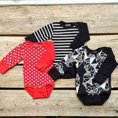 """#repost @lempeepuoti - """"Höön syksyyn kuuluvat musta ja punainen sekä raidat ja pallot. Uutuuskuosina on Ametisti joka on saanut innoituksensa Lapin ametistikaivoksista."""" #höö #syksy #vauvanvaatteet #kotimainen #suomessatehty  #lastenvaatekarnevaali #helsinki #madeinfinland @hoo_design"""