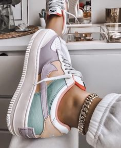 Image discovered by Ola Kogut. Find images and videos about shoes nike and colo Trendy Outfits Nike Shoes Air Force, Nike Air Force Ones, Nike Air Force 1 Outfit, Jordan Shoes Girls, Girls Shoes, Shoes Women, Cute Sneakers For Women, Crazy Shoes, Me Too Shoes