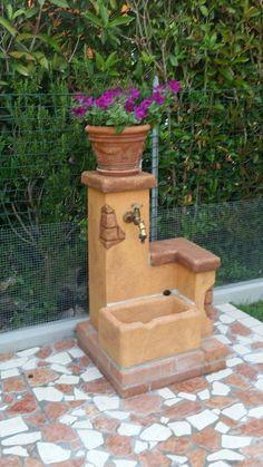 Garden fountain source of the farmhouse easily col. Garden Ideas To Make, Garden Yard Ideas, Garden Projects, Easy Garden, Garden Deco, Garden Art, Garden Design, Garden Sink, Water Garden