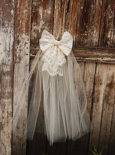 Ivory or White Lace Bow #FirstCommunion bow. Beautiful!