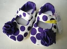 Resultado de imagen para pinterest zapatitos de bebe en fieltro Felt Baby Shoes, Cute Baby Shoes, Baby Girl Shoes, Girls Shoes, Baby Shoes Pattern, Shoe Pattern, Baby Sandals, Baby Booties, Baby Sewing