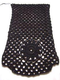 omⒶ KOPPA: MUSTⒶ kukkaneliöpaita Crochet Girls, Love Crochet, Diy Crochet, Crochet Top, Crochet Summer Tops, Flower Circle, Crochet Mandala, Summer Patterns, Crochet Cardigan