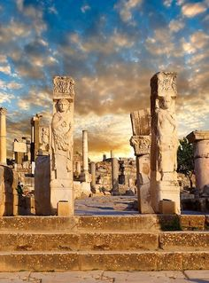 The Hercules Gate, Ephesus, Turkey. Ephesus is considered one of the great outdoor museums of Turkey, in fact perhaps of the world. Kusadasi, Places To Travel, Places To See, Places Around The World, Around The Worlds, Wonderful Places, Beautiful Places, Beautiful Buildings, Ephesus