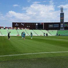 Santos Laguna se prepara para visitar al America. Los guerreros no han ganado en los últimos 6 partidos de Liga. http://ift.tt/2e7KEFD
