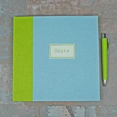 Pastellig-Grün,-Blaues-Gästebuch