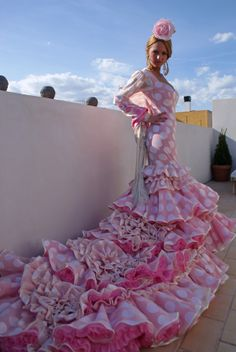 Visit Andalusia and experience a Flamenco! Dance Fashion, Fashion Show, Beautiful Dresses, Nice Dresses, Dress Outfits, Fashion Dresses, Spanish Dress, Flamenco Dancers, Frou Frou