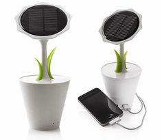 Solar Sunflower Charger Offers Flower Power