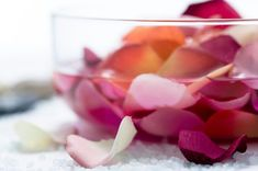 Learn about rose water beauty and skin benefits and try making some popular rose water recipes at home. Rodan And Fields Microdermabrasion, Esthetician Supplies, Rodan Fields Skin Care, Water Recipes, Rose Water, Beauty Routines, Healthy Tips, Natural Health, Benefit